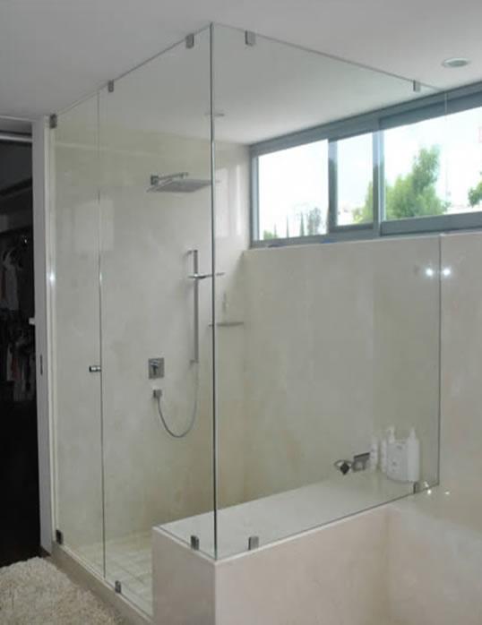 Ba os estilos duchas 8 estilos diferentes for Puertas de cristal para duchas